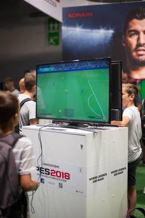 Pro Evolution Soccer 2018 bei der Gamescom 2017
