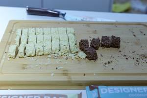 Probierteller mit Protein-Schokoriegel von Designer mit Kokosnussgeschmack auf der Fibo in Köln