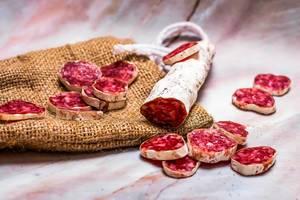 Prosciutto appetizer pieces on linen cloth (Flip 2019)