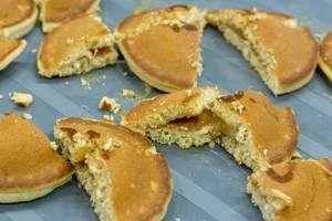 Protein Pfannkuchen mit cremiger Karamel-Füllung aus Vollkorn, ohne Zucker und wenig Kalorien bei den Fibo Messetagen in Köln