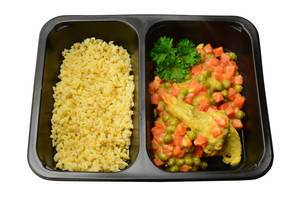 Putenfleisch mit Karotten, Erbsen und Gerste