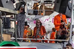 Quearbeat beim Rosenmontagszug - Kölner Karneval 2018
