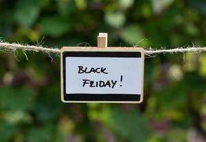 Rabatte am schwarzen Freitag. Black Friday Shopping