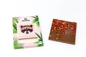raccoon - Bio Protein Schokolade mit Erdbeerstückchen