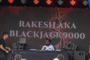 Rakesh aka Blackjack9000 spielt Musik auf dem Tomorrowland Festival in Belgien