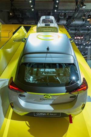 Rear view of Opel Corsa-e Rally Concept: E-motor sport with hydraulic hand brake and rally chassis