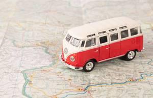 Red camper van on map (Flip 2019)