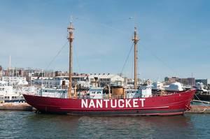 Red lightvessel Nantucket: lighthouse on a ship