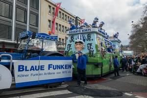 Reserve Korps des Vereins Blaue Funken beim Rosenmontagszug - Kölner Karneval 2018