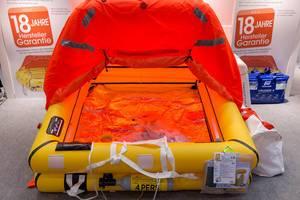 Rettungsinsel Plastimo Cruiser 4 bei der Boot Düsseldorf 2018