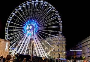 Riesenrad am alten Hafen von Marseille