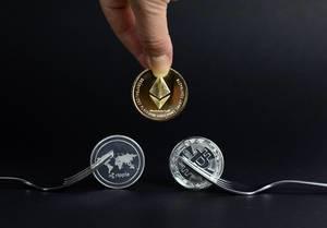 Ripple, Bitcoin und Litecoin mit Gabeln