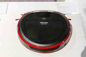 Robot vacuum cleaner: Miele Scout RX2 Home Vision in red and black with app control