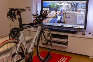 Rollentraining mit Zwift auf Canyon-Bike