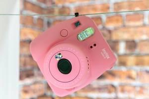 Rosafarbene Instax Mini 9 von Fujifilm