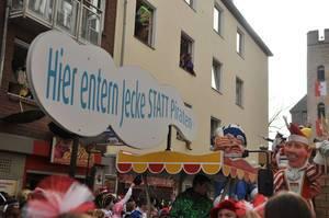 Rosenmontagszug 2012: Jecke statt Piraten