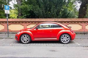 Roter VW Käfer (neu)