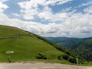 """Route des Crêtes (""""Gipfelstraße"""", auch Vogesenkammstraße) in Frankreich"""