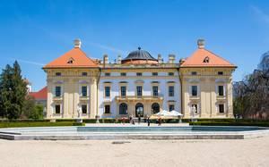 Rückansicht von Schloss Austerlitz in Tschechien