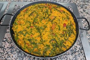 Safranrisotto mit Karotten, Brechbohnen und Erbsen