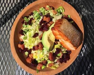 Salad with Bacon, Avocado and Salmon