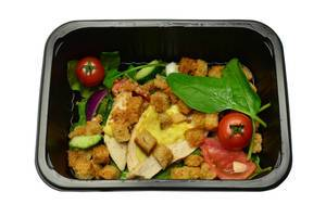 Salad with croutons and chicken