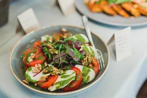 Salad With Mocarella And Tomatoes