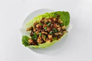 Salat-Wraps mit Hünchenbrust und Pilzen