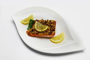 Salmon baked with walnuts  Flip 2019