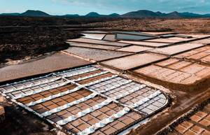 Salt evaporation pond on Caanry Island / Salzverdampfungsteich auf Kanarischer Insel