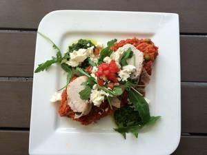 Saltimbocca:Hähnchen mit Tomatenreis.