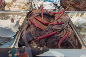 Scharfer Schoko-Chili-Eis