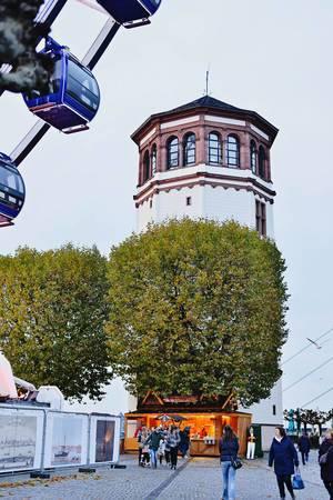 Schlossturm am Burgplatz in Düsseldorf