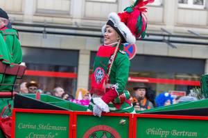 Schöne, junge Frau im Pferdewagen der Altstädter Köln 1922 - Kölner Karneval 2018