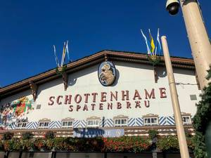 Schottenhamel Festzelt auf dem Oktoberfest Haupteingang