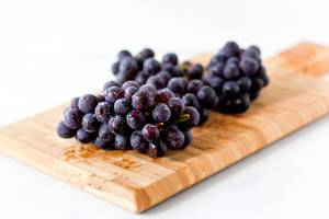 Schwarze Weintrauben