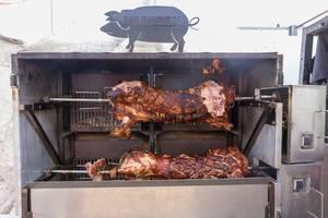 Schwein am Spieß