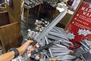 Schwerter und andere Rollenspiel-Waffen