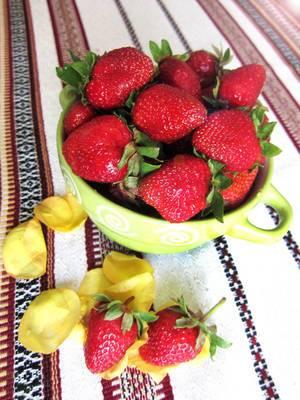 Seasonal strawberries