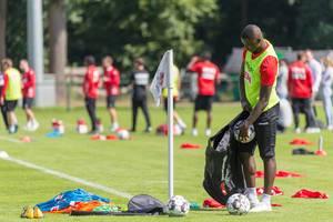 Sehrou Guirassy fetching additional soccer balls