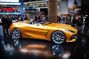 Seitenansicht des neuen BMW Z4 Konzepts bei der IAA 2017 in Frankfurt am Main