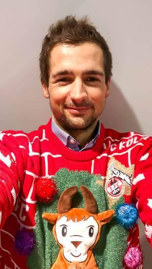 """Selfie im 1. FC Köln Weihnachtspullover SCHÄBBISCH PULLI """"HENNES"""""""