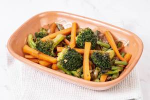 Served cooked Carrot with Green Beans Onions and Broccoli (Flip 2019)
