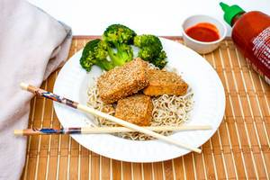 Sesame Tofu With Ramen Pasta and Broccoli