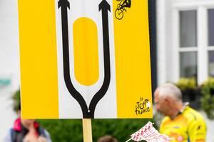 Sign during Tour de France