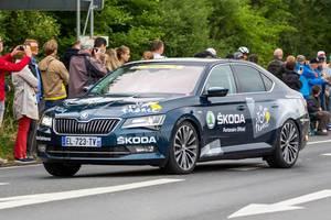 SKODA: Sponsorenfahrzeug bei der Tour de France 2017