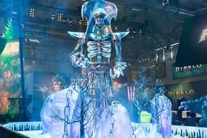 Skulptur des Warcraft III Helden Lich - Gamescom 2017, Köln
