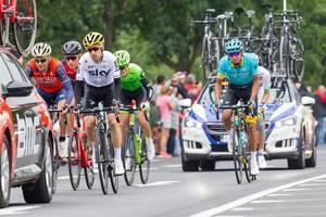 SKY und Astana-Fahrer bei der Tour