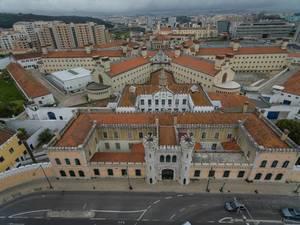 Skyline von Lissabon, Portugal aus der Vogelperspektive (Drohnenfoto)