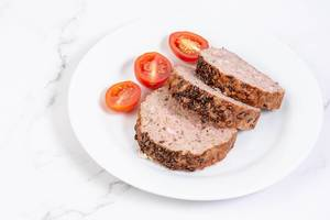Sliced-Pork-and-Chicken-Meat-Loaf-with-Cumin-and-Tomatoes.jpg